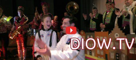 Narrenkap winnaar Dirk Kouwenberg ontmoet zijn opvolger: de zevenjarige Ties